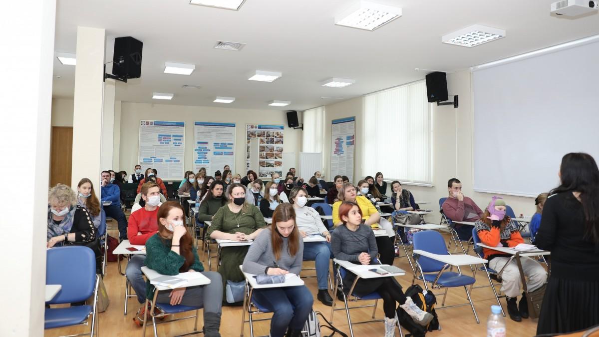Молодежь обучается волонтерству в УИЦ МФП