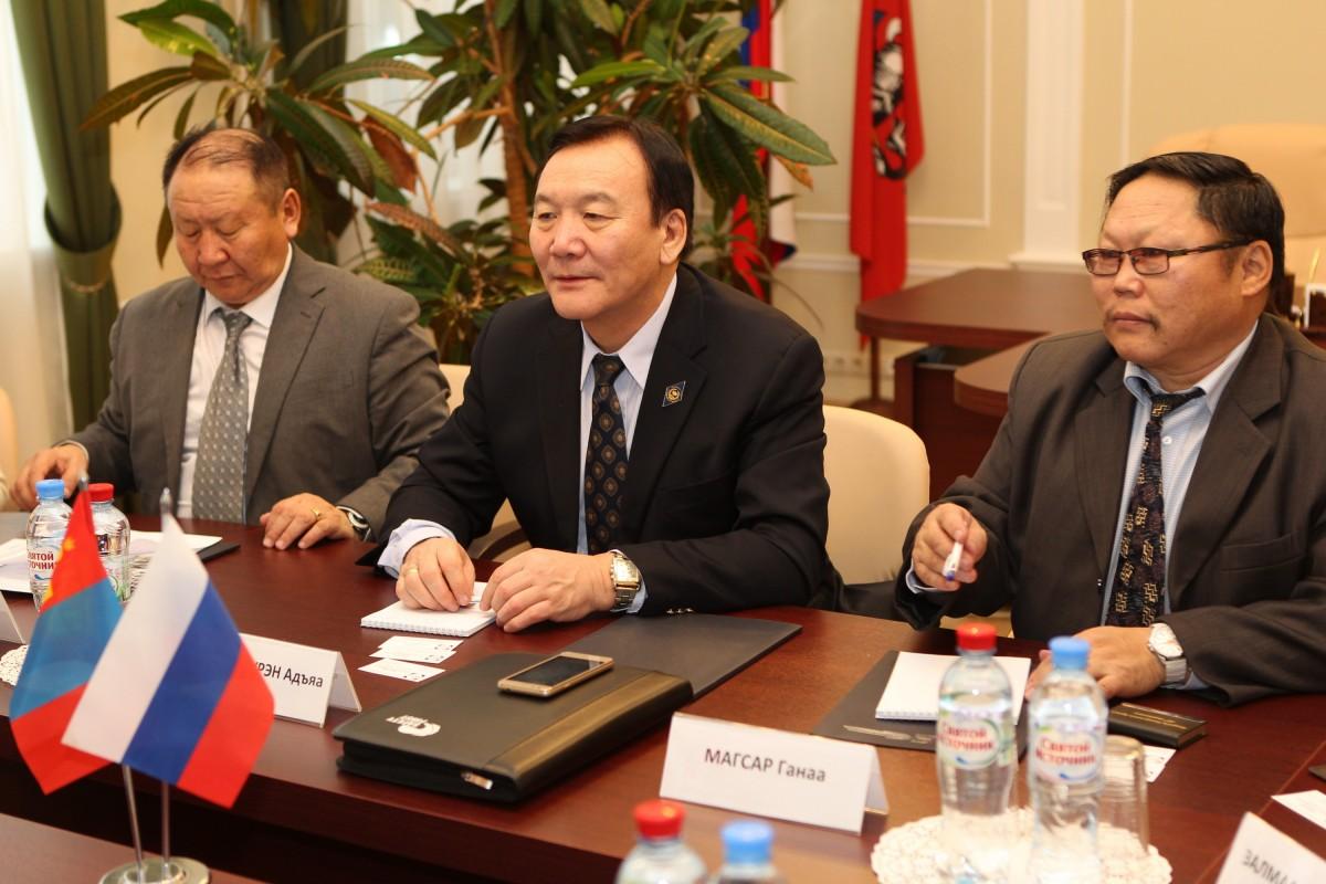 Делегация  Конфедерации монгольских профсоюзов